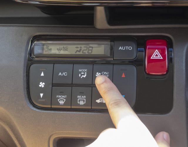 株式会社ジャストライト浪岡 智がお送りする車内温度についてのイメージ画像