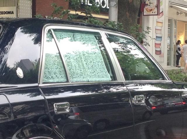 株式会社ジャストライト浪岡 智がお送りする「車につけているカーテン」についてのイメージ画像
